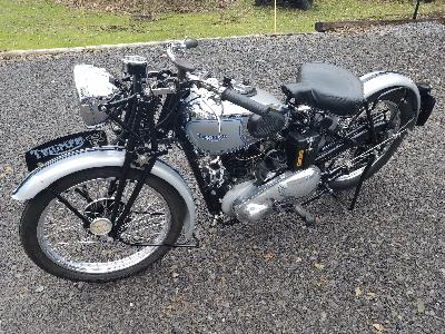 37 Triumph Speed Twin